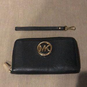 Michael Kors Continental Wallet/Wristlet